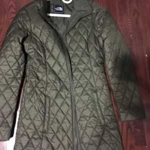 North face army green coat light weight size Xs